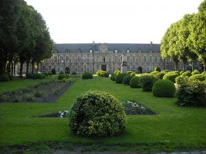 Ancien hôpital Marguerite-de-Flandres de Seclin (Wikimedia Commons)